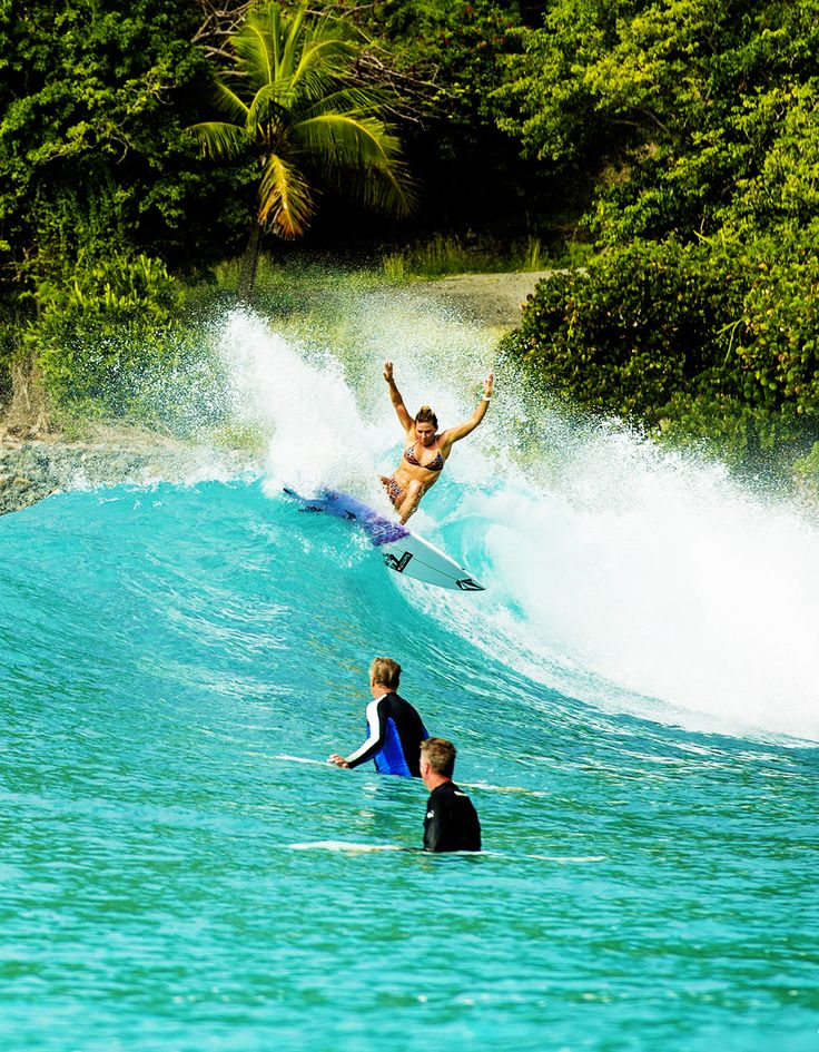 """surf4living: """" Coco's impecable eagle stance. Ph: Surfing Magazine """""""