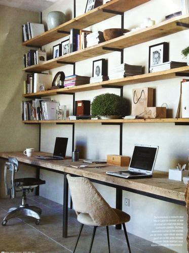 Wij zijn opzoek naar iemand die`een zelfde soort bureau/kast voor ons kan maken als dat je op de foto ziet. Het bureau moet 1.60 breed worden. Met 5 planken boven het bureau. Onze woonkamer is 3.70 hoog en daarover moet het verdeeld worden. Het metaal moet gelast en zwart zijn en het hout ruw als op de foto.