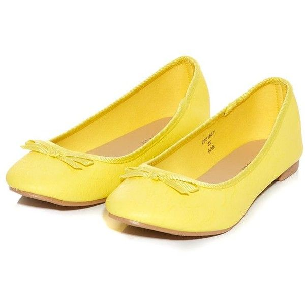Yellow Basic Ballet Pumps ($11) ❤ liked on Polyvore featuring shoes, flats, yellow, ballet pumps, ballet shoes, flat soled shoes, yellow flats and round toe ballet flats