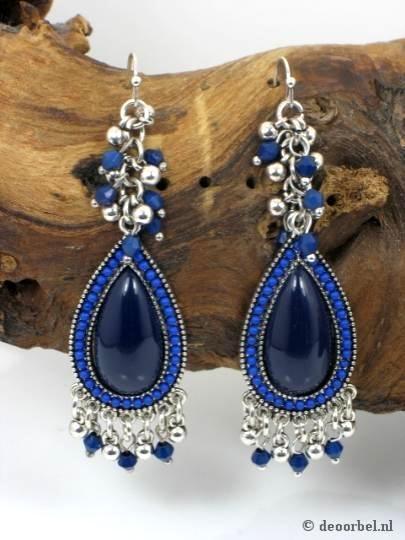 Mooie blauwe oorbellen met kraaltjes (hanger) voor maar 6,95 per paar bij Deoorbel.nl