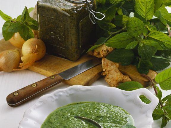 Joghurt-Minzsauce ist ein Rezept mit frischen Zutaten aus der Kategorie Klassische Sauce. Probieren Sie dieses und weitere Rezepte von EAT SMARTER!