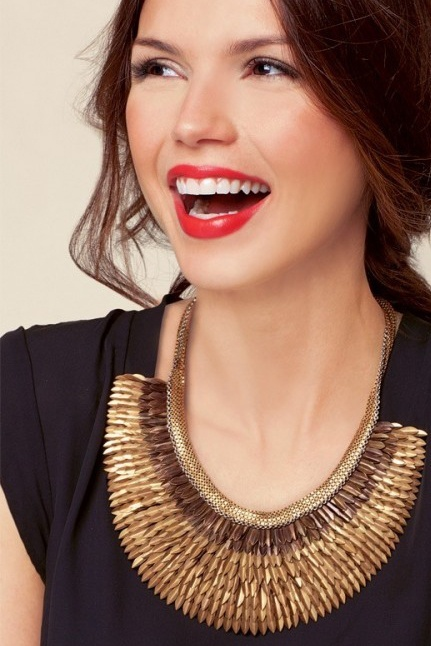 Wear to Stand Out ❤'s this Stella and Dot Pegasus Necklace! stelladot.co.uk/hannahgrey