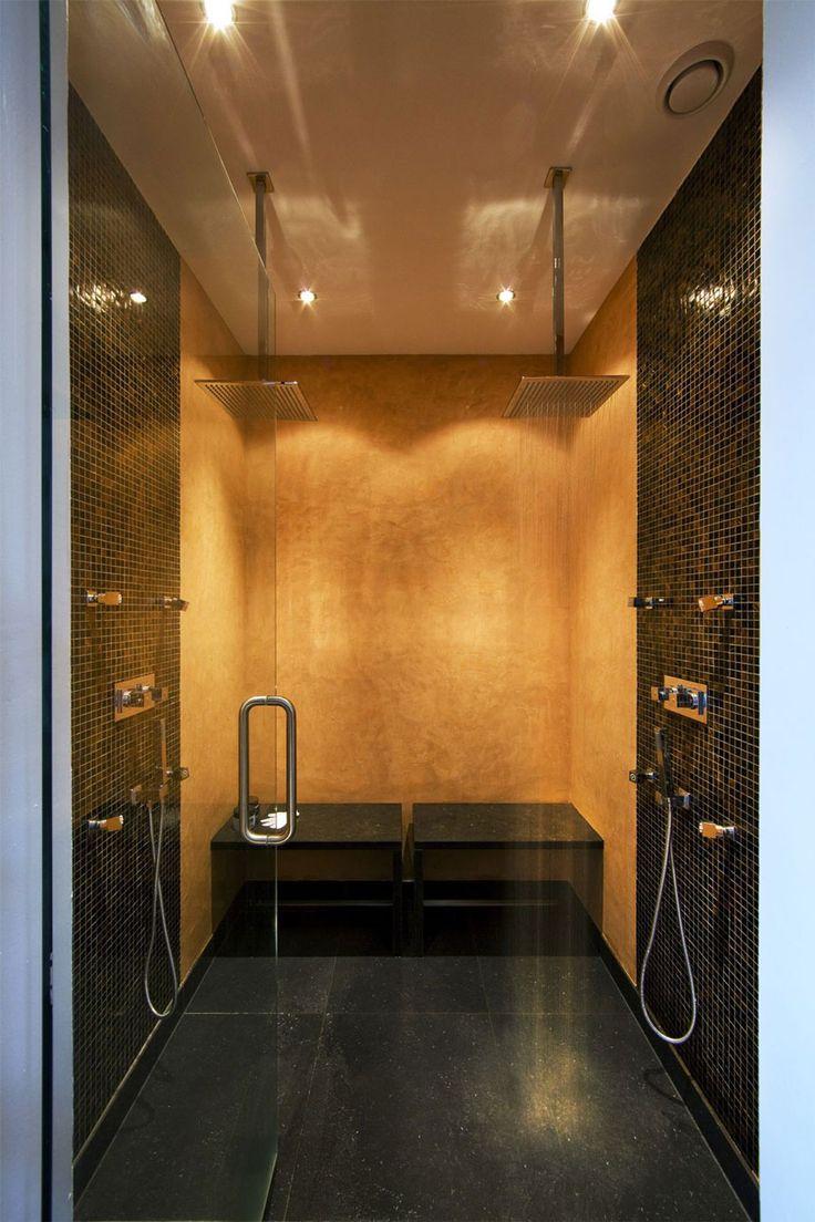 Great shower : Living on the Edge by Arjen Reas (14)