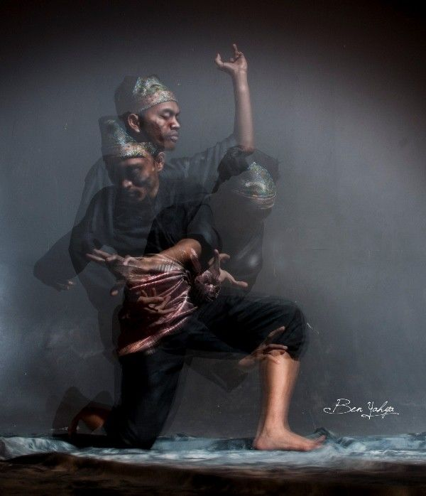SILAT a collective word for indigenous martial arts from a geo-cultural area of Southeast Asia encompassing most of the Nusantara, the Malay Archipelago and the entirety of the Malay Peninsula. MARTIAL ARTS