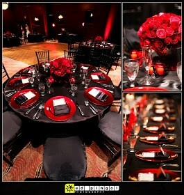 <3 dark romance <3 (Black lilies, black table cloth, red votive, red chair bow, red napkins)Red and Black Wedding