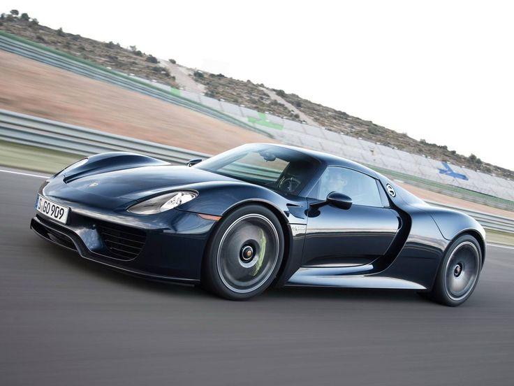 2014 Porsche 918 Spyder // First shot of a 918 that I thought looked good.