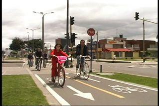 Enrique Penalosa - Making cities pedestrian  and biker friendly