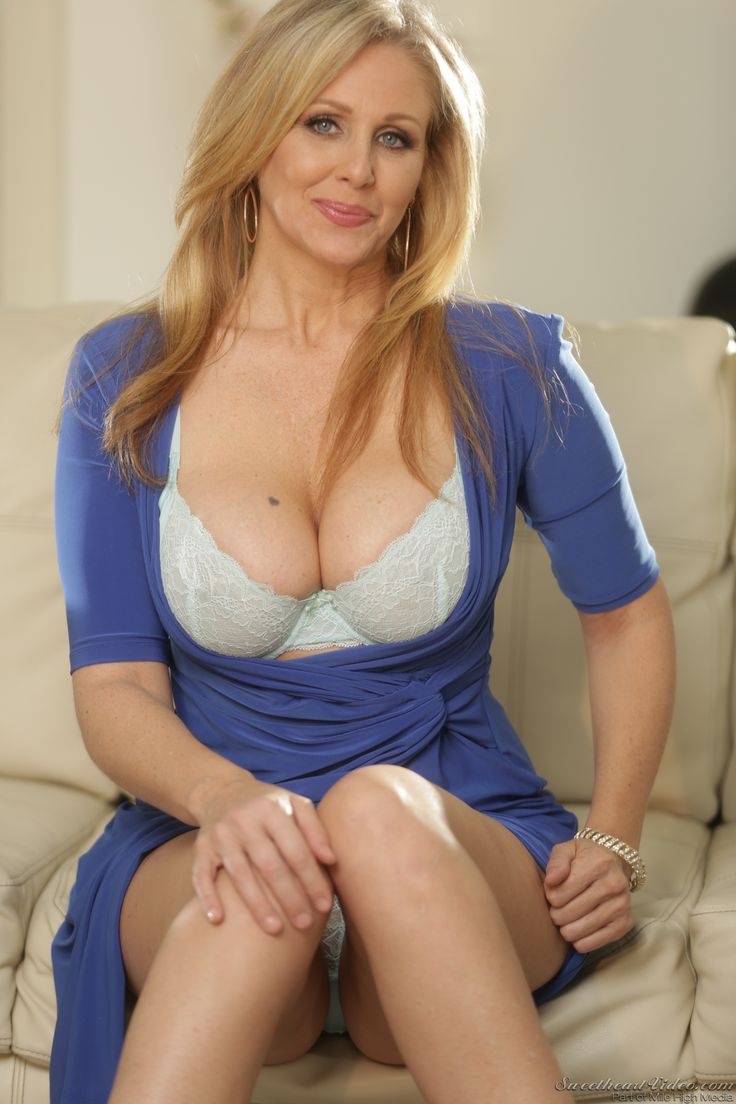 More her.she julia ann fuck milf blurry