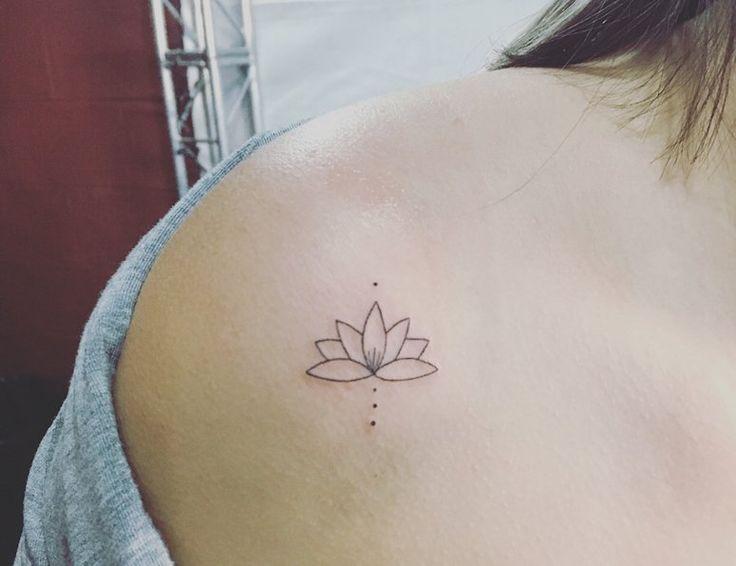 Tatuagem no ombro: 230 fotos com dicas para você fazer a sua! em 2020 | Tatuagem no ombro, Tatuagens de maquiagem, Tatuagem