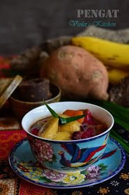 Violet's Kitchen ~♥紫羅蘭的爱心厨房♥~ : 娘惹香蕉番薯芋头糖水 Pengat | Bananas, Sweet Potatoes and Yam Broth