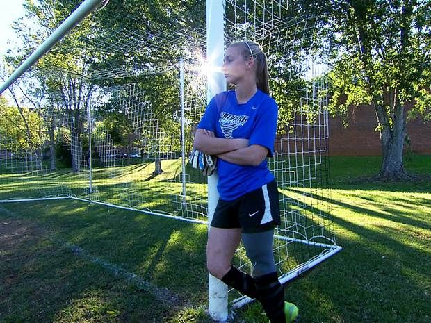 Soccer star doesn't let losing a leg deter her from goal - News - TODAY.com