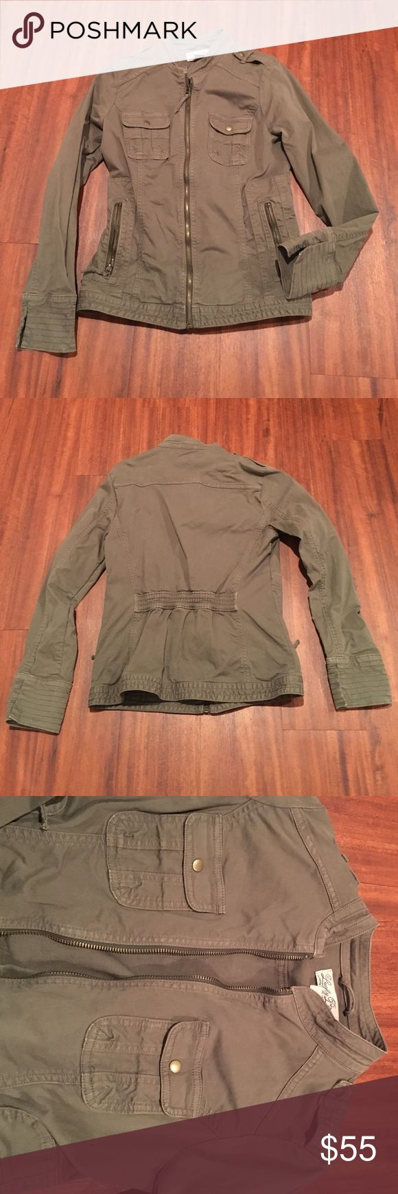 Lucky Brand Olive Green Military Jacket XS This is a Lucky Brand Olive Green military jacket in size XS. Fitted and cinched in the back. Comes from a smoke free, pet free home Lucky Brand Jackets & Coats Utility Jackets