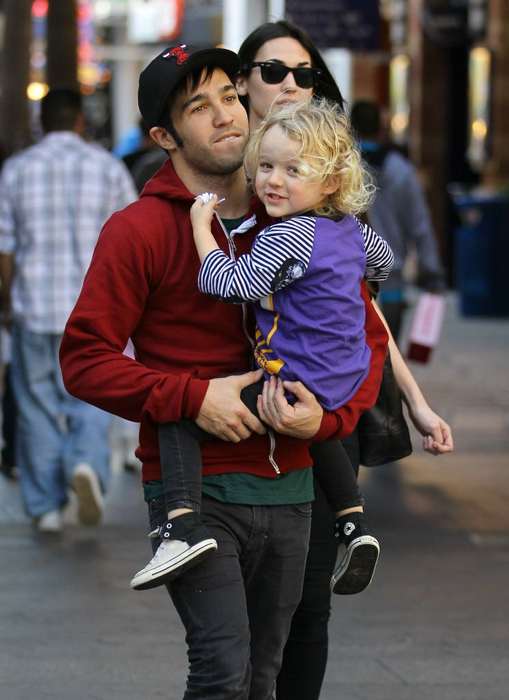 Celebrity Dads Bond With Their Kids: Adorable Pictures ...