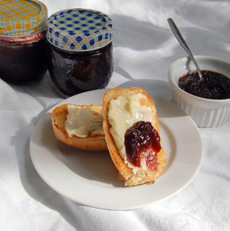 Sour Grape Jam: Easy jam using almost ripe fruit. From It's Not Easy Eating Green.