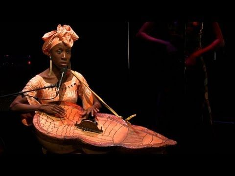 Rokia Traoré - Projet Roots au 104 - YouTube