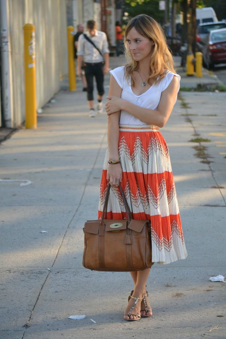 This skirt!: Midi Skirts, Outfits, Full Skirts, Fashion, Long Skirts, Summer Skirts, Leather Bags, Flowy Skirt, Spring Style