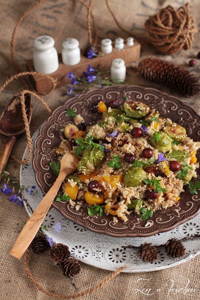 Wegański ryż z brukselką i żurawiną