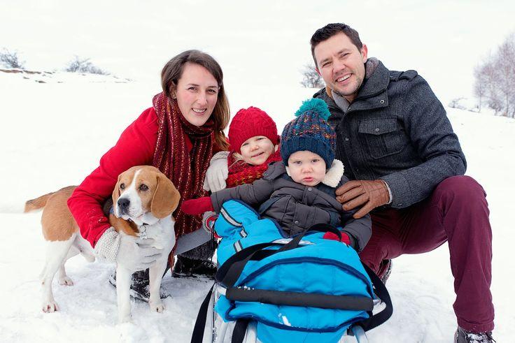 winter family time, winter kids, winter family photos, winter photo shooting, winter photos with kids, kids of winter, family photos, winter family with dog, winter family with kids on sledge