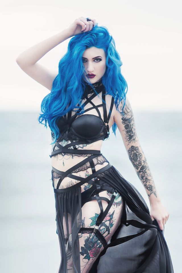 Model/MUA: BLUE ASTRID Photo: Aneta Pawska - Enchanted Stories Dress: Askasu Welcome to Gothic and Amazing |www.gothicandamazing.com