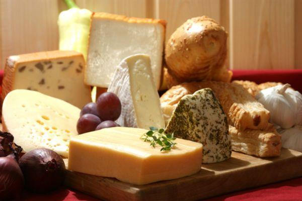 Φτιάχνουμε το τέλειο πλατό τυριών από τη Μαρινόπουλος! - Φαγητό - αθηνόραμαUmami.gr