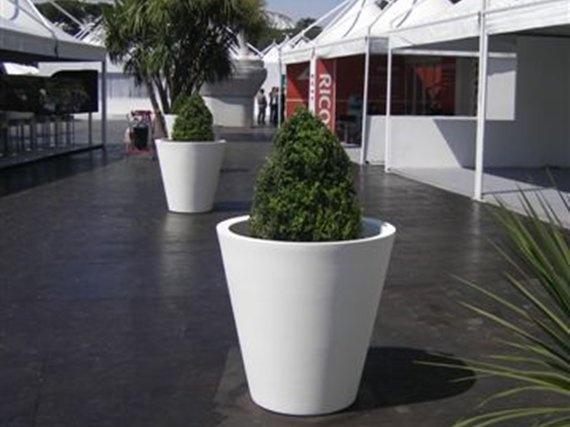 Vaso per uso interno ed esterno