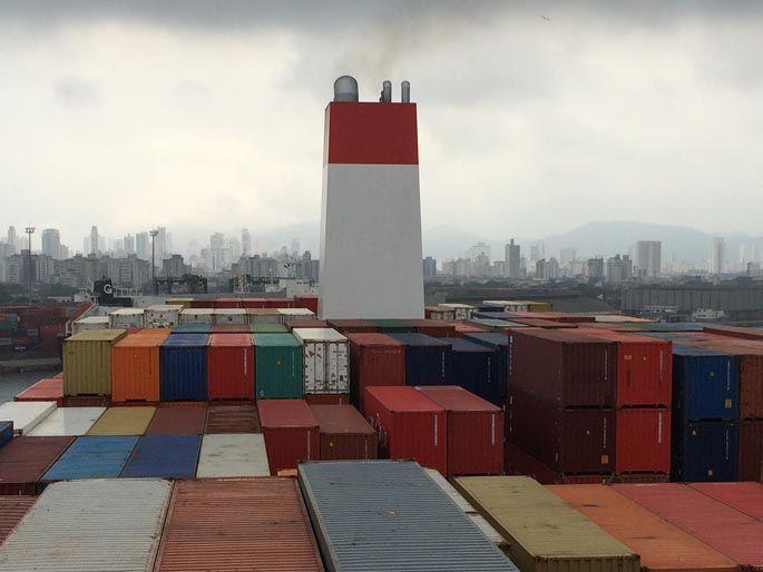 Auf einem Containerschiff nach Brasilien