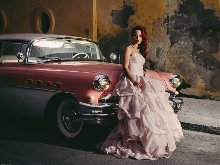 pink wedding Ritratto in posa con la buik Alessandro Corongiu Fotografia www.alessandrocorongiu.it #photography #wedding #buik #pink #sardegna #bride #sposa#dress #fotografo #matrimonio #cagliari #weddingphoto #Festa #luxury#italy #Sardinia #weddingphotographer #atmosfera #foto #weddingplanner#weddinginitaly