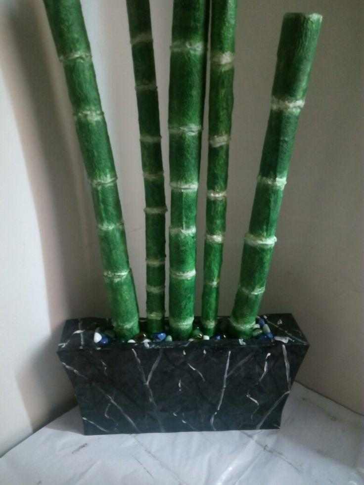 Bambú con cartapesta en cartón