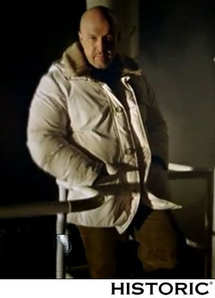 Marco Berry, conduttore di Mistero indossa Historic Atmospheric Parka http://historic-brand.com/shop/autunno-inverno-2014-15-uomo/norge-atmospheric-parka-4/  #fashion #marcoberry #modauomo #historic #mensfashion
