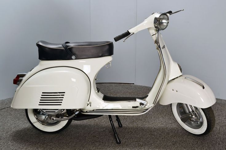 Vespa 150 Sprint Veloce Metallic Moon White