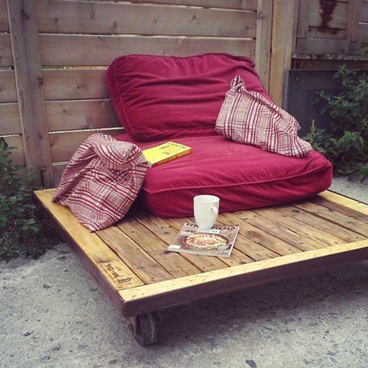 sofa mobile pour intérieur ou extérieur #sofa #terrasse #wood @industrial