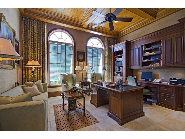 25 best ideas about traditional home offices on pinterest traditional home office furniture home office layouts and traditional study furniture