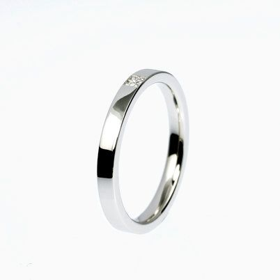 Sale size 6, Carré Ring with diamond in platinum
