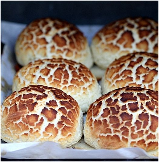 Dutch Crunch Bread or Tiger Buns Thermomix