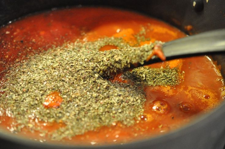 Hjemmelavet tomatsauce – simrer til smagfuld sødme