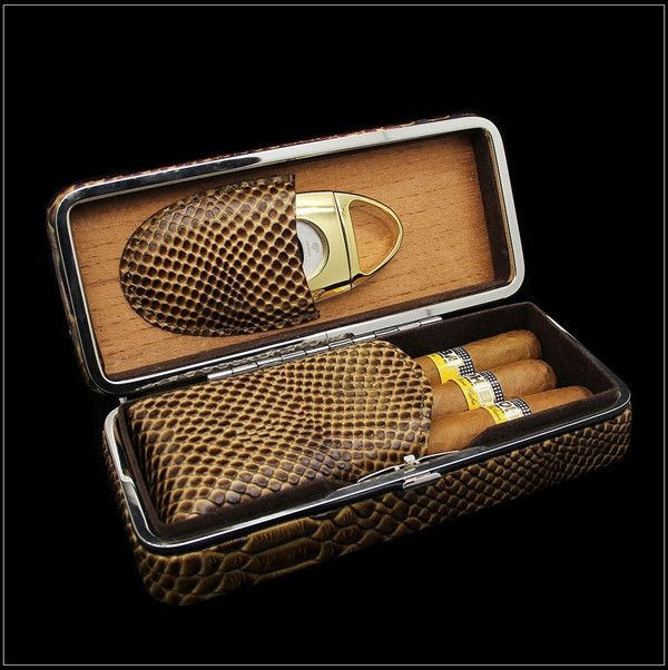 COHIBA Lizard Snake Pattern Embossed Leather Cigar Travel Case Lined with Cedar Wood Cigar Humidor With Cigar Cutter