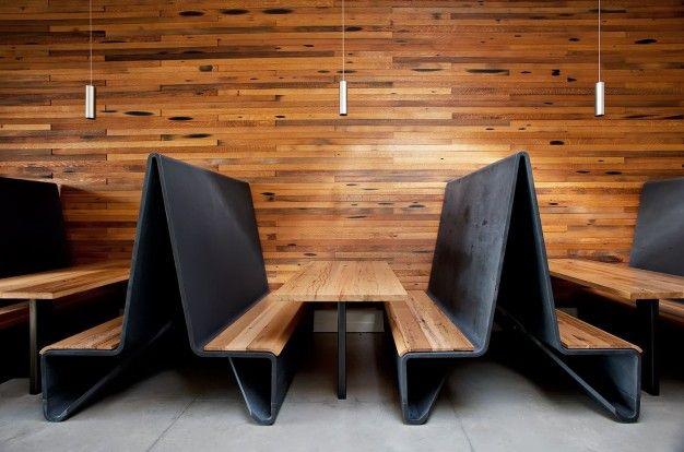 AGROKULTURA W SAN FRANCISCO na FUTU.PL Restauracja Agricole mieści się w długiej, wąskiej przestrzeni pofabrycznej, położonej w niegdyś robotniczej, a dziś artystycznej dzielnicy San Francisco.