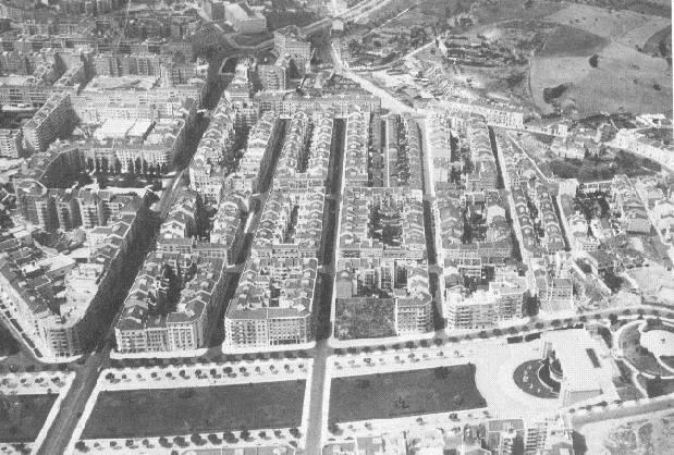 Fotografia aérea da Alameda D. Afonso Henriques e Areeiro, anos 1950  Foto de Augusto de Abreu Nunes  Lisboa, Arq. Fot. CML, A17569