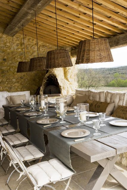 Al Fresco Dining STONE AND LIGHT IN PROVENCE