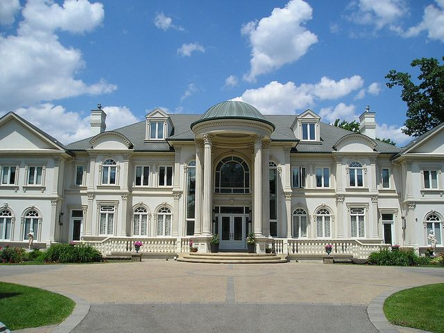 One of the largest estate homes on doulton place for Dream homes canada