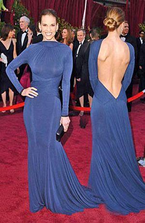 Hilary Swank Oscars 2005, in a navy blue Guy Laroche dress ...