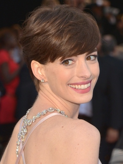 Anne Hathaway at the red carpet