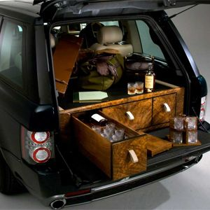 holland and holland overfinch range rover the most luxurious model yet during the first year. Black Bedroom Furniture Sets. Home Design Ideas
