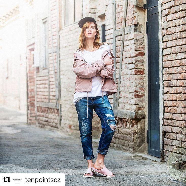 New gang in da hood!!!!!😊😊😊😊#photoshooting #actress #adventure #lovemylife #hanavagnerova #wearingpink #tenpoints #waitingforsummer #loveit @tenpointscz #vnitroblock