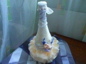 Как украсить бутылки шампанского на свадьбу
