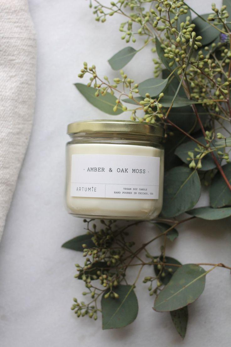 amber & oak moss candle