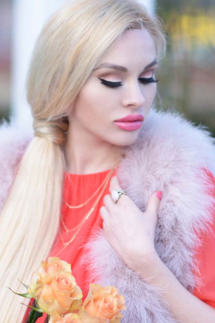 http://www.thousandwishes.net/coral-dress-and-dusty-pink-feather-vest/#.VQGESEJn_1A