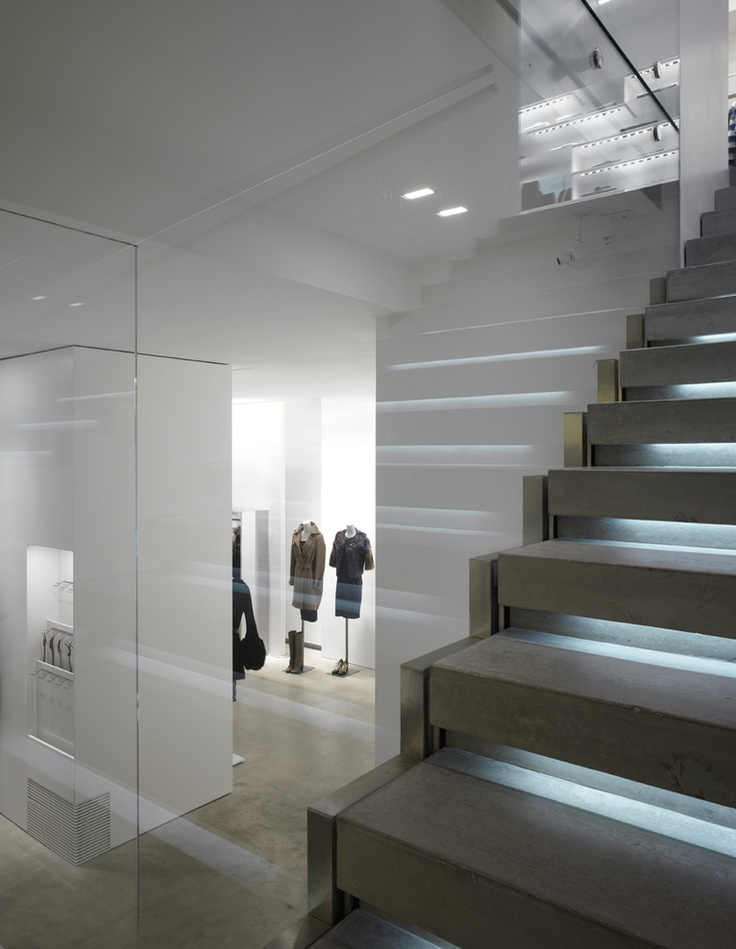 Retail design by Italian architect Claudio Nardi. Photo by Pietro Savorelli.