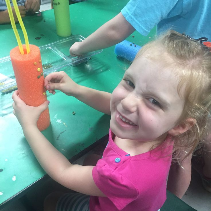 moving bots, draw bots, robots, diy, kids art, kids crafts, STEM, STEAM, Figment Creative Labs, Austin Texas, Art Camp, pool noodle crafts, vibration, motion, early education, learning through play, hands on learning