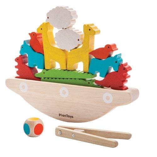 Balansująca łódka od #PlanToys  Dasz radę ułożyć na niej wszystkie zwierzątka? #zabawki #drewnianezabawki